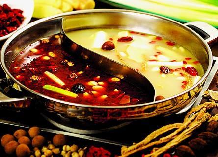 四川火锅的汤卤有何不同